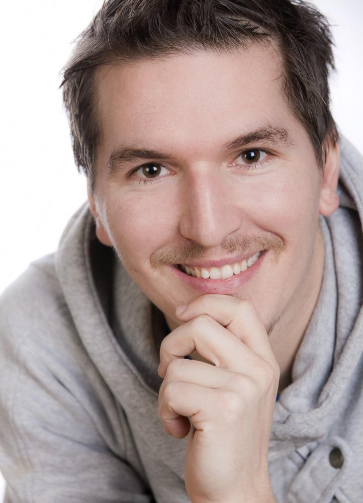 Bernd Kohlhofer wurde 1986 geboren und bekam seinen ersten Akkordeonunterricht an der Musikschule in Gleisdorf bei Rudolf Plank. - bilder11046274_2000x_wasserzeichen